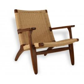 Réplique du fauteuil Nordic Lounge CH25 en bois de noyer
