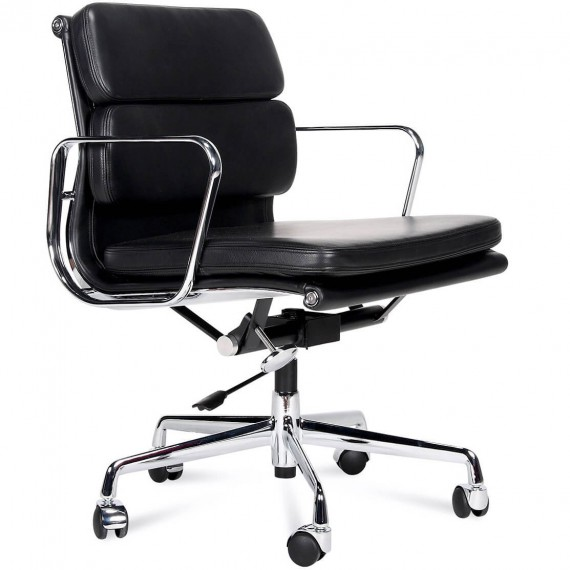 Chaise Inspiration Soft Pad EA217 par Charles & Ray Eames.