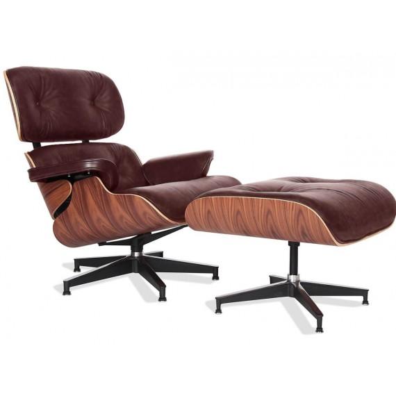 Réplique du fauteuil Eames Lounge Chair en cuir vintage vieilli.